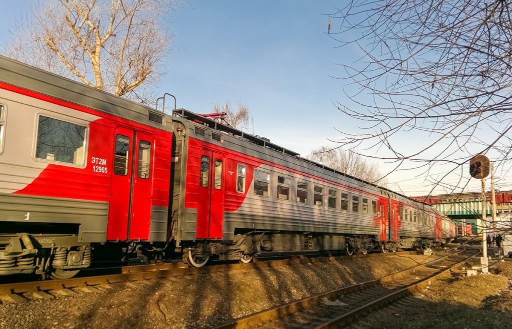 Вагоны ЭТ2М-12905-06 на перегоне Перово - Новопролетарская