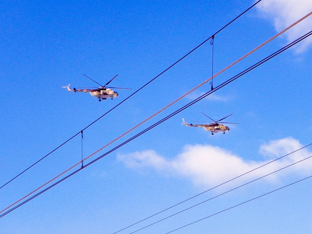 Вертолёты над Главным ходом в районе Клина