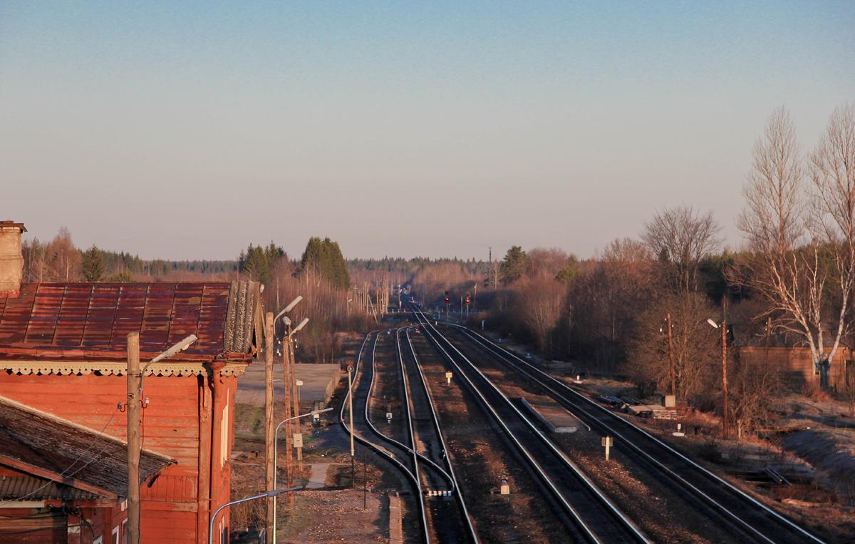 Вид от станции Мста в сторону станции Кафтино
