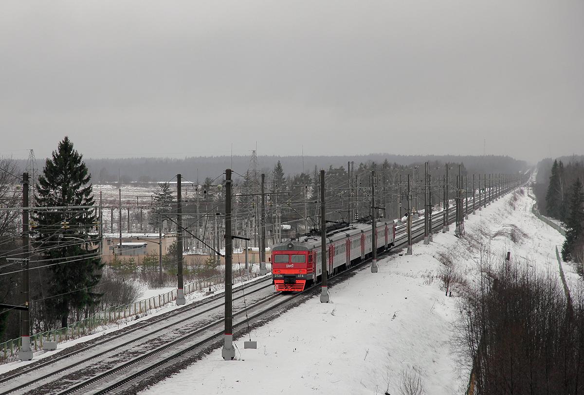 Электропоезд ЭТ2М-074 на перегоне Калашниково - Спирово