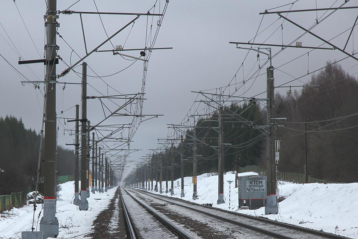 Вид в сторону Бухаловского переезда и станции Калашниково от платформы Левошинка