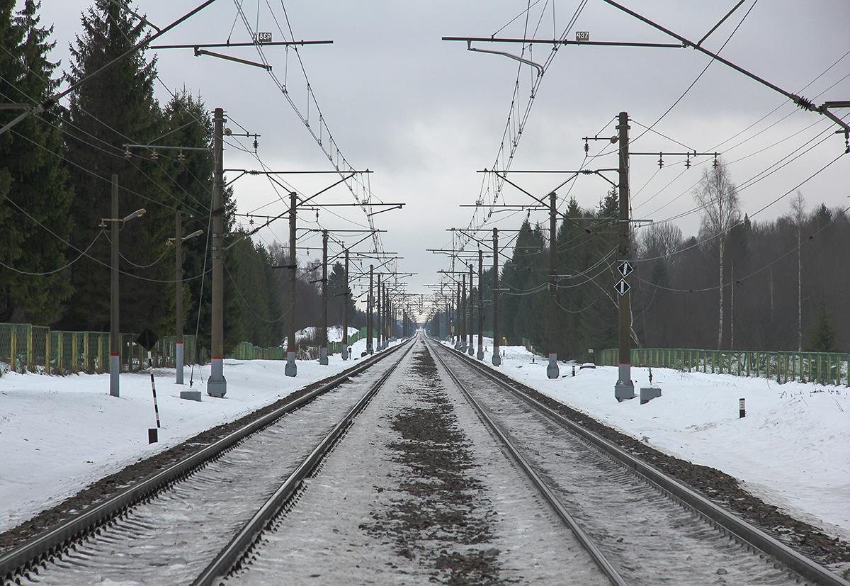 Вид от о.п. Бухаловский переезд в сторону станции Калашниково