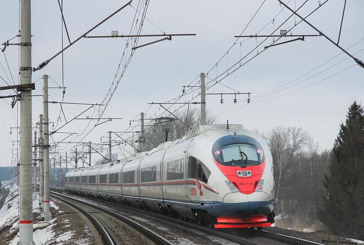Электропоезд ЭВС1-07 «Сапсан» на перегоне Клин - Решетниково