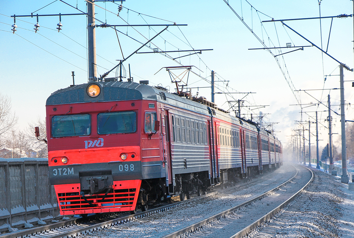 Электропоезд ЭТ2М-098 на перегоне Клин - Решетниково