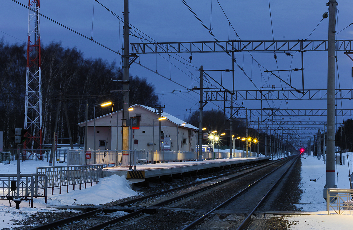 Платформа №1, «на Москву», о.п. Кузьминка, вид в сторону Твери
