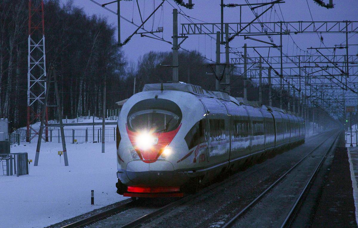 Электропоезд ЭВС2-03 «Сапсан» проследует платформу Кузьминка, перегон Тверь - Редкино