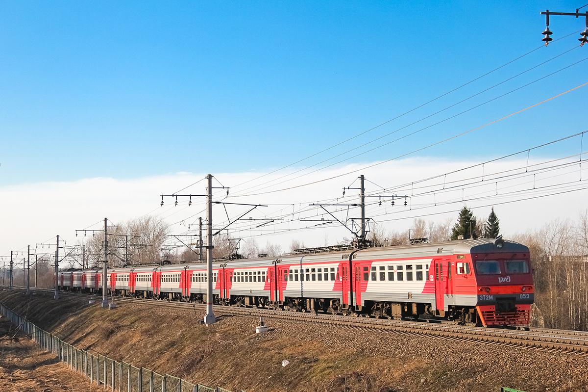 Электропоезд ЭТ2М-055 на перегоне Решетниково - Клин