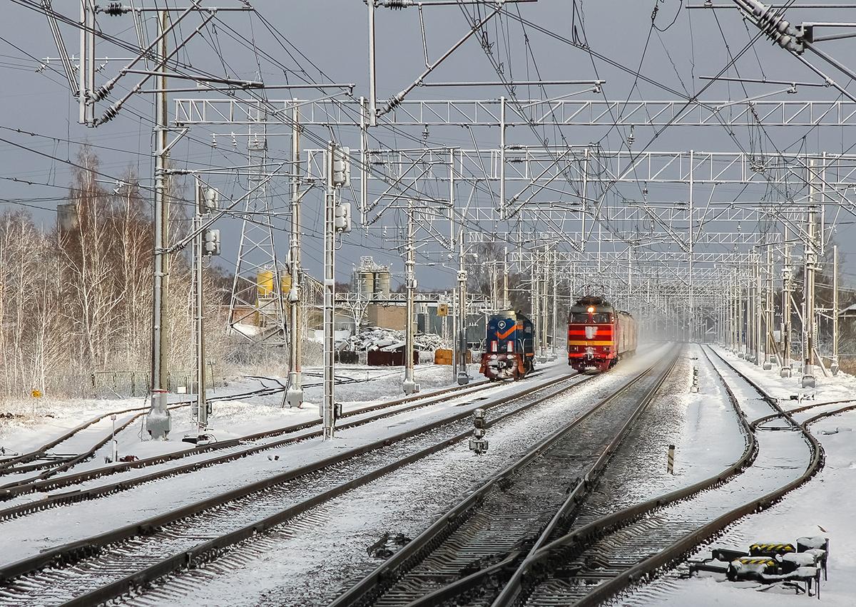 Вид от пассажирских платформ станции Редкино в сторону Завидово