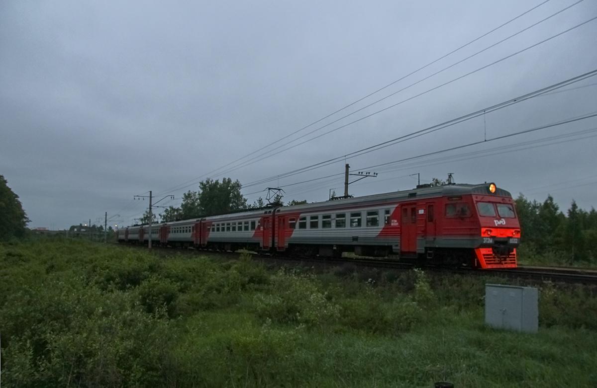 Сборный электропоезд ЭТ2М-8032 на перегоне Торжок - Терешкино