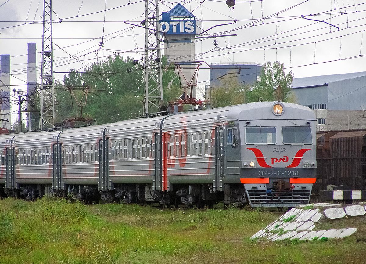 Электропоезд ЭР2К-1218 в депо Санкт-Петербург-Балтийский