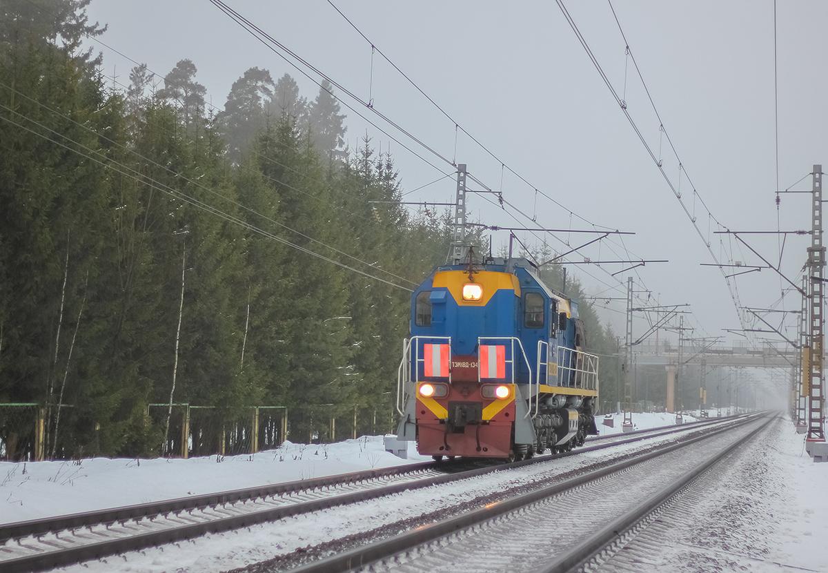 Тепловоз ТЭМ18Д-134 на перегоне Лихославль - Дорошиха