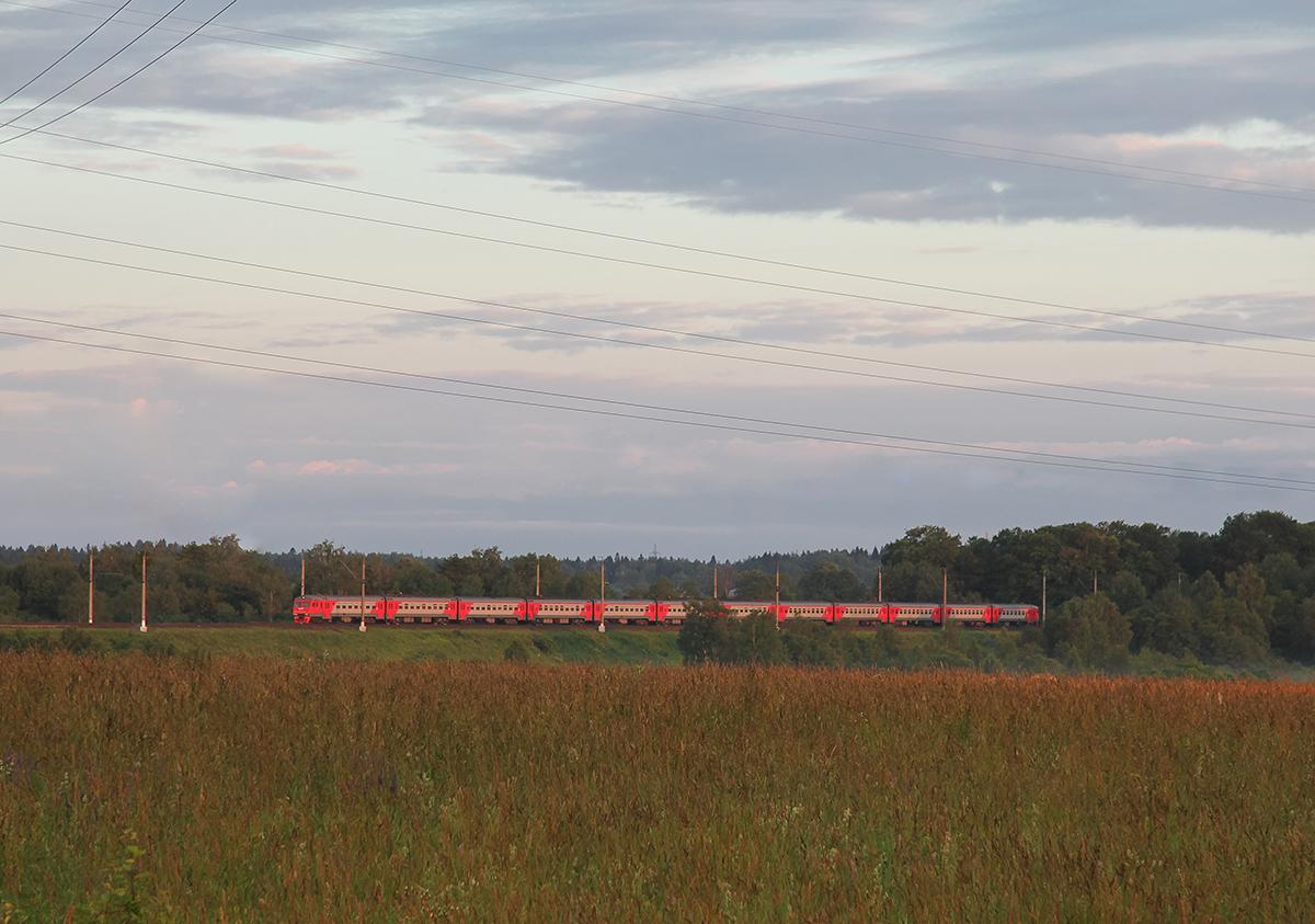 Электропоезд ЭТ2М близ платформы Головково, перегон Клин - Подсолнечная