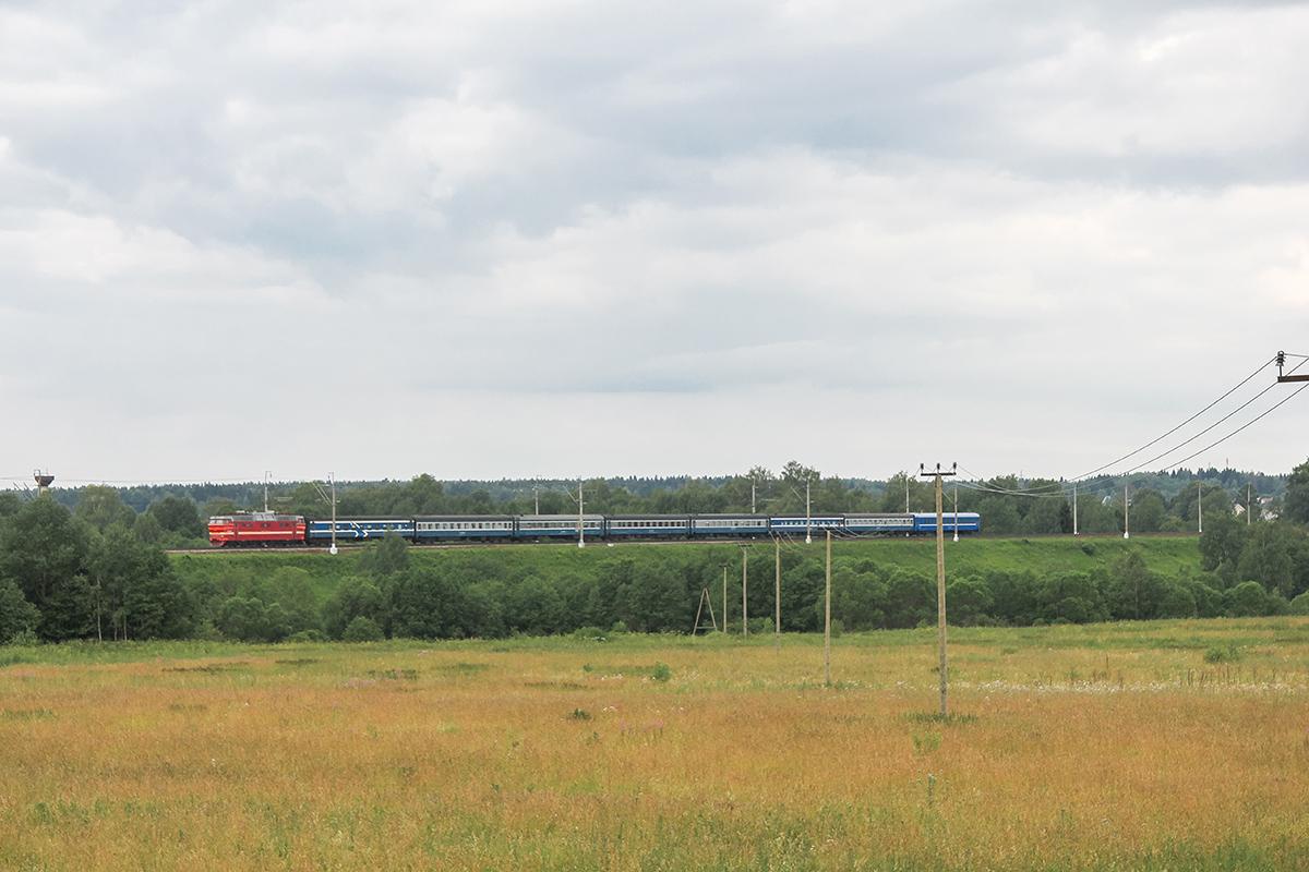 Электровоз ЧС2Т с поездом Таллин — Москва, перегон Клин — Подсолнечная