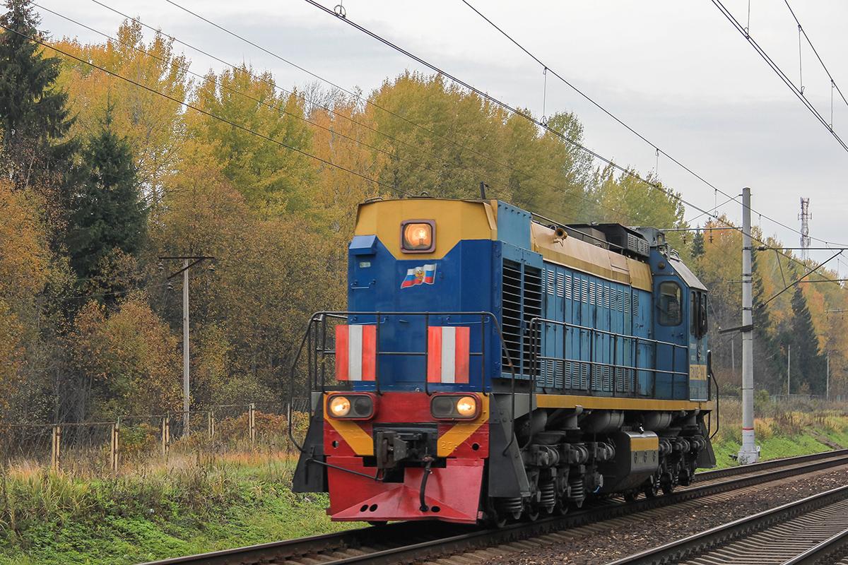 Тепловоз ТЭМ18Д-141 на перегоне Завидово - Решетниково