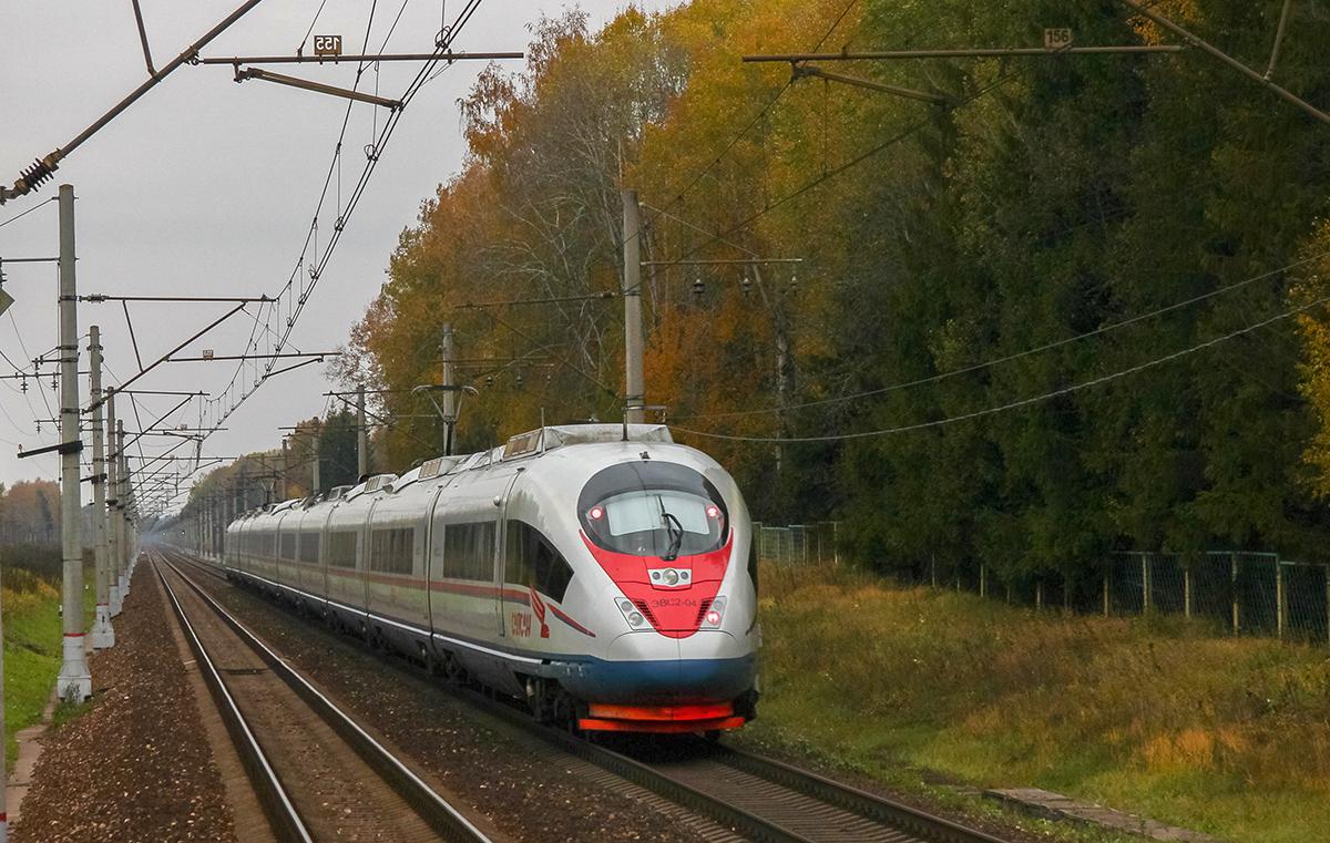 Электропоезд ЭВС2-04 «Сапсан» близ платформы Черничная, перегоне Решетниково - Завидово