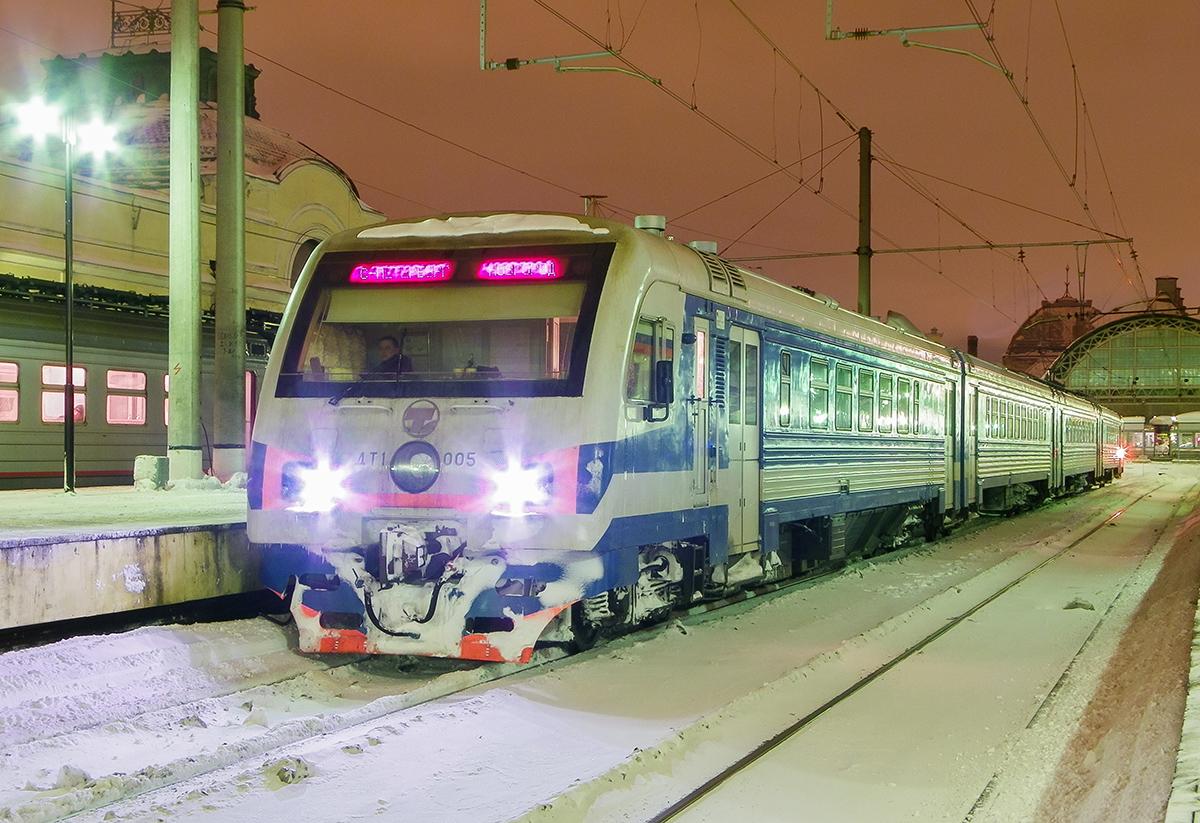 Дизель-электропоезд ДТ1-005, ст. Санкт-Петербург-Витебский