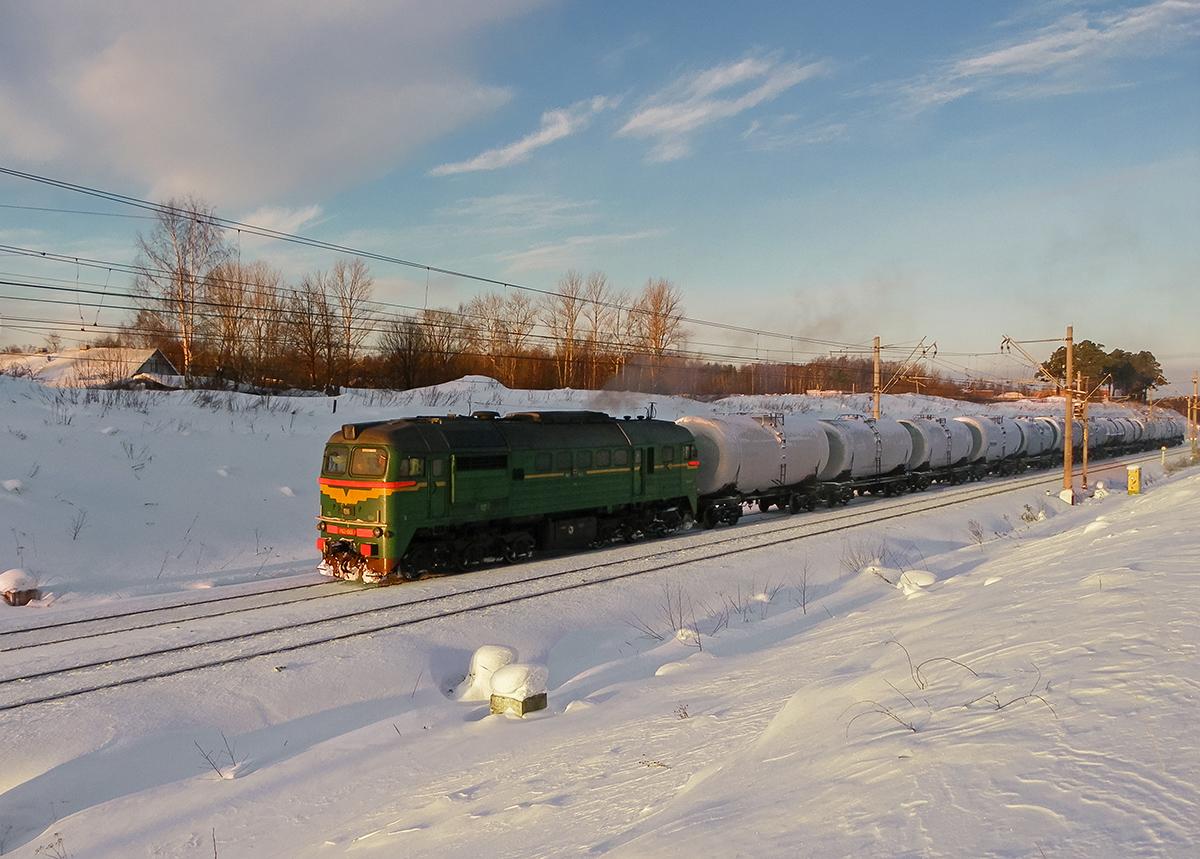 Тепловоз М62-1583 с наливным поездом на перегоне Ораниенбаум-I - Новый Петергоф
