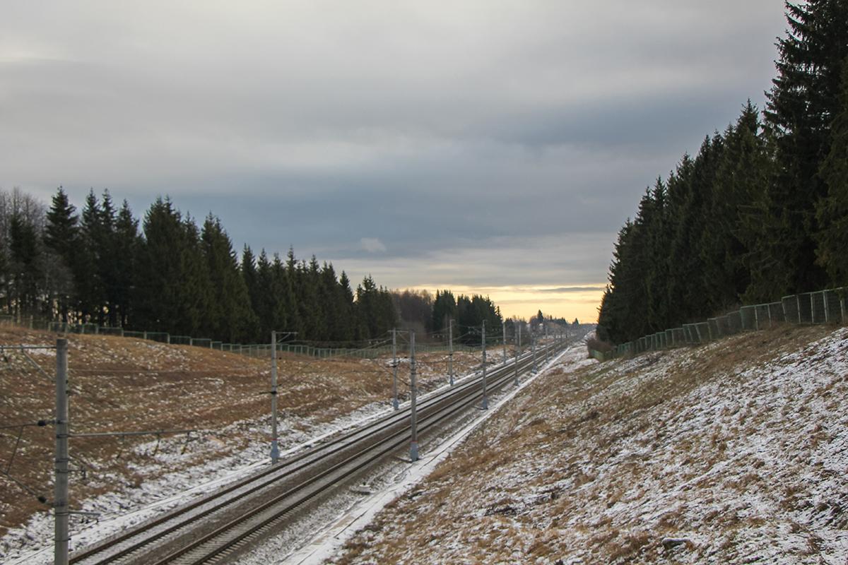 Перегон Окуловка - Боровёнка, 247-й километр, вид на Москву