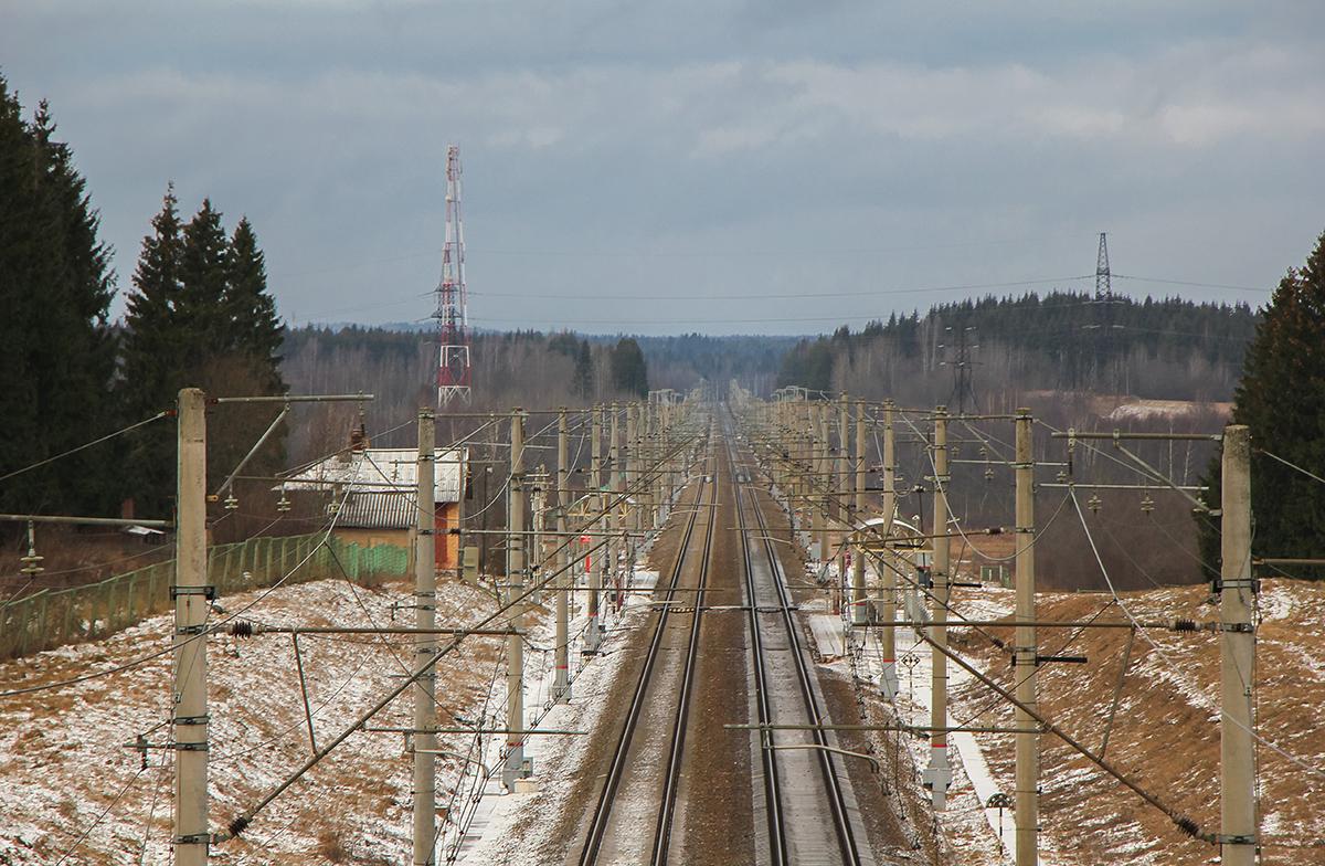 Перегон Окуловка - Боровёнка, 246-й километр, вид на Санкт-Петербург