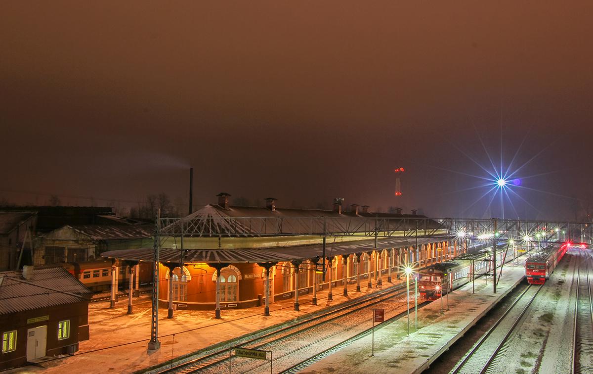 Здание вокзала станции Малая Вишера