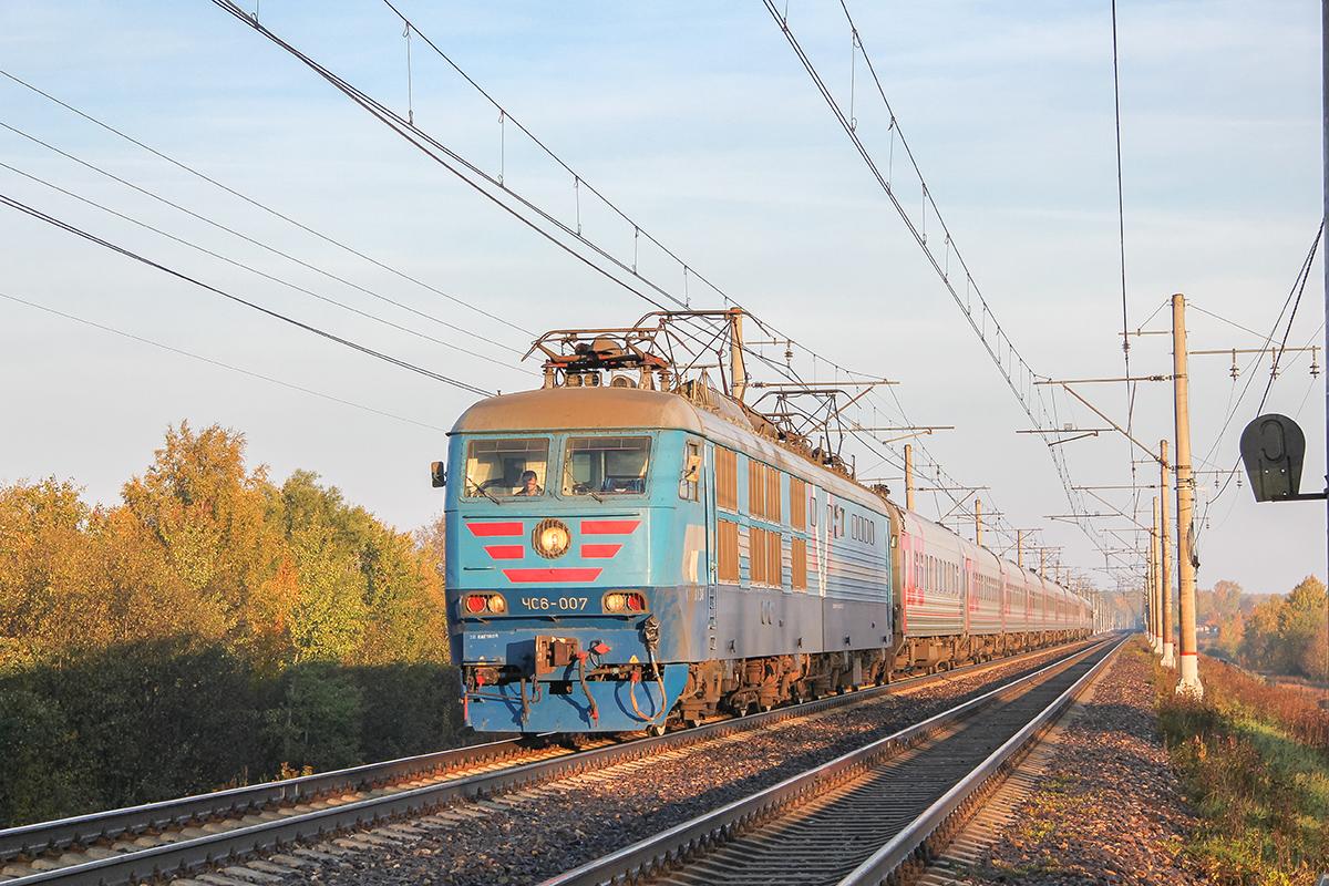 Электровоз ЧС6-007 с поездом, перегон Решетниково - Клин