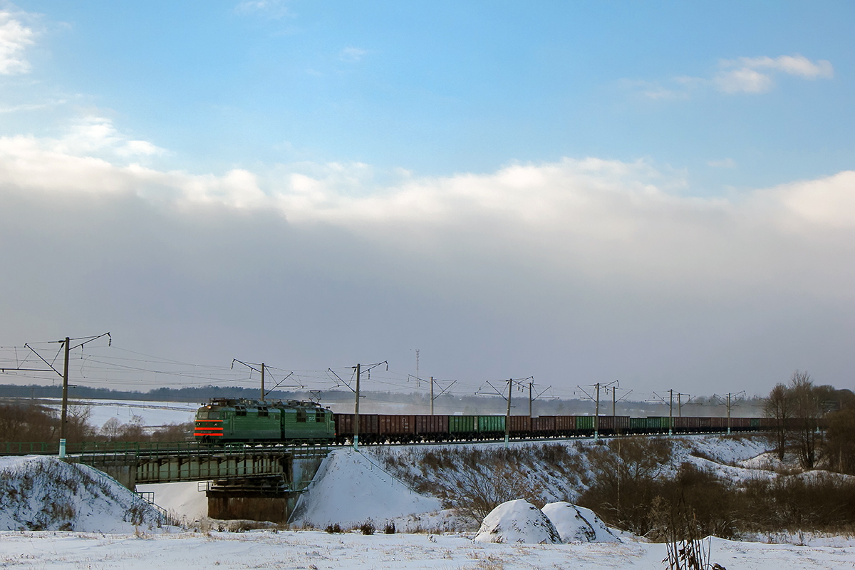 Электровоз ВЛ80Т-967 с грузовым поездом на перегоне Семлёво - Вязьма