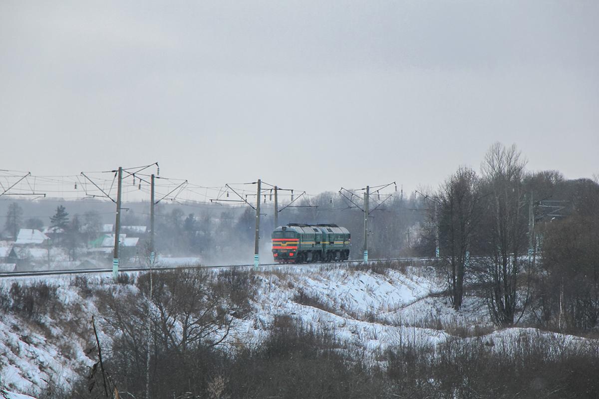Тепловоз 2М62У на перегоне Вязьма - Семлёво