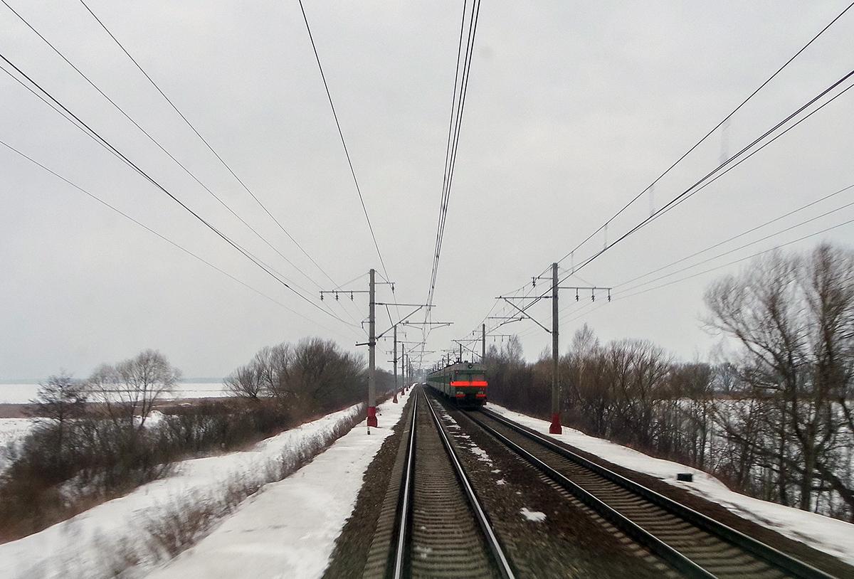 Электропоезд ЭТ2М-092 на перегоне Завидово - Редкино