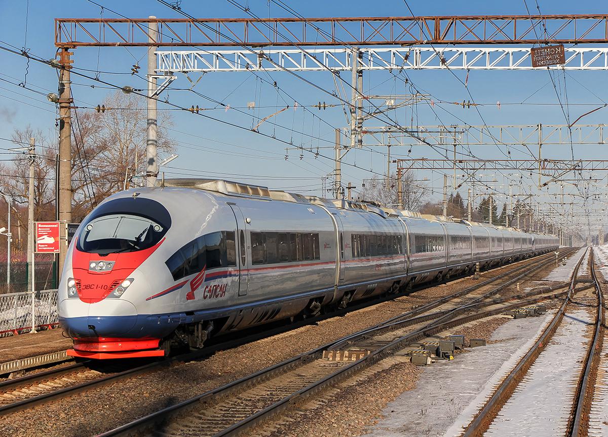 Сдвоенный электропоезд ЭВС1-10/ЭВС1-11 «Сапсан» проследует станцию Калашниково