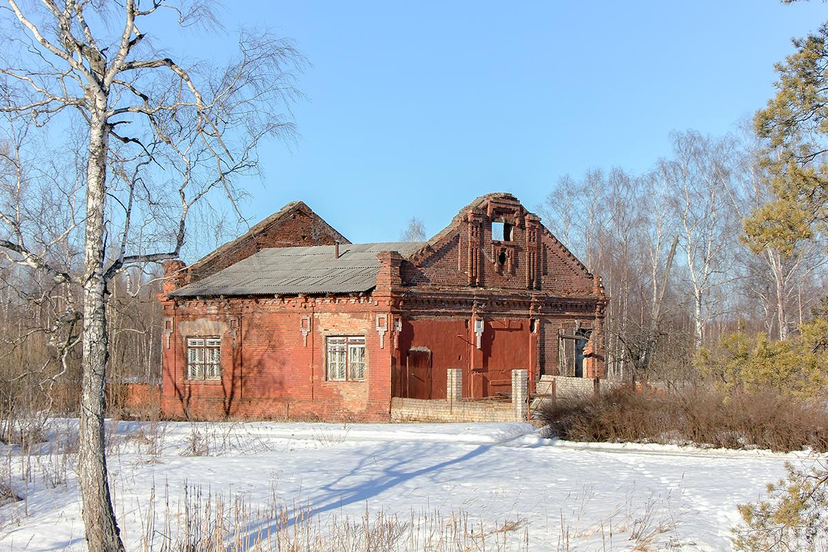 Здание близ платформы Кулицкий Мох