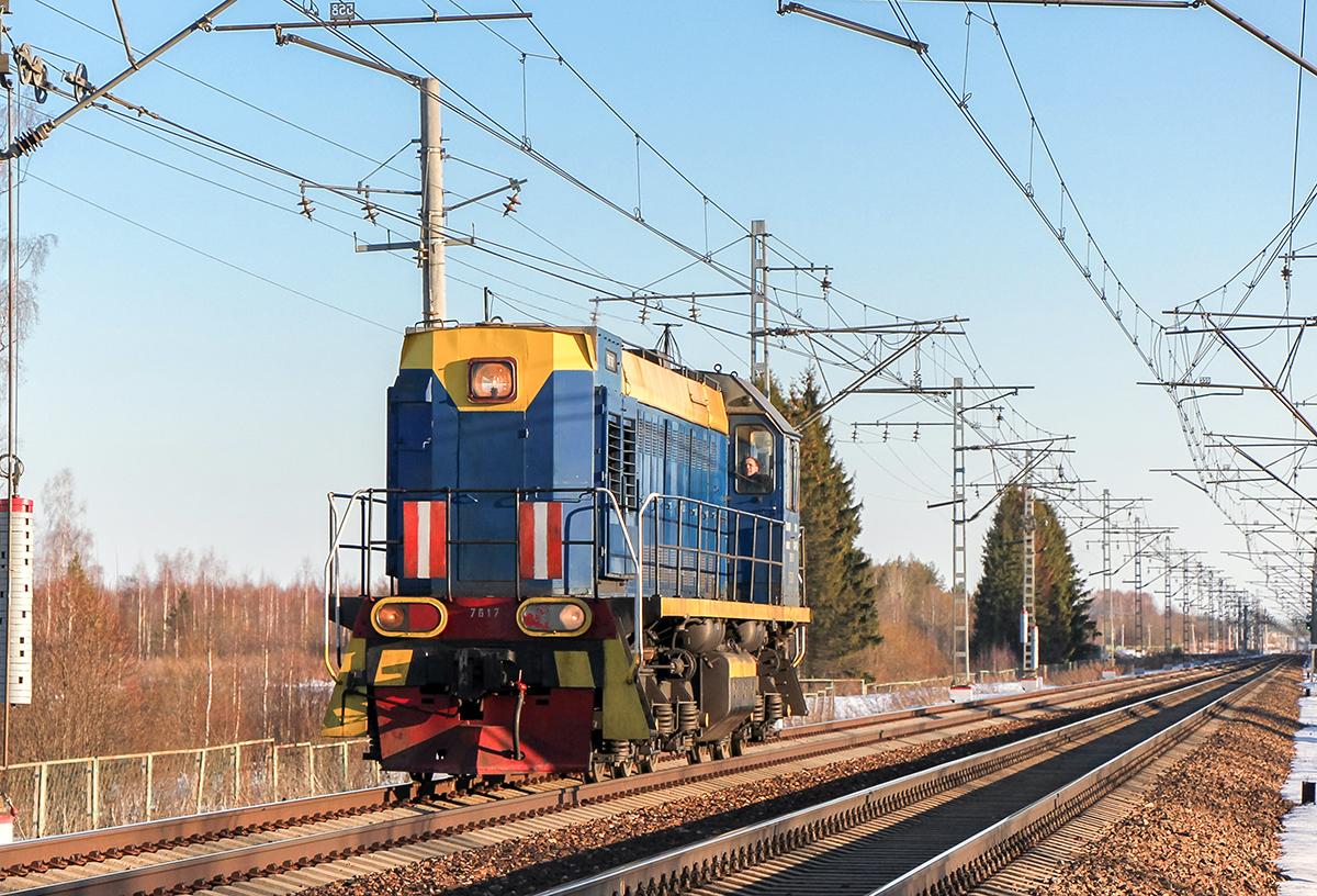 Тепловоз ТЭМ2Д-7617 на перегоне Дорошиха - Лихославль