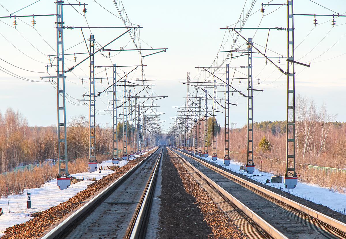 Вид от платформы Кулицкий Мох в сторону станции Лихославль