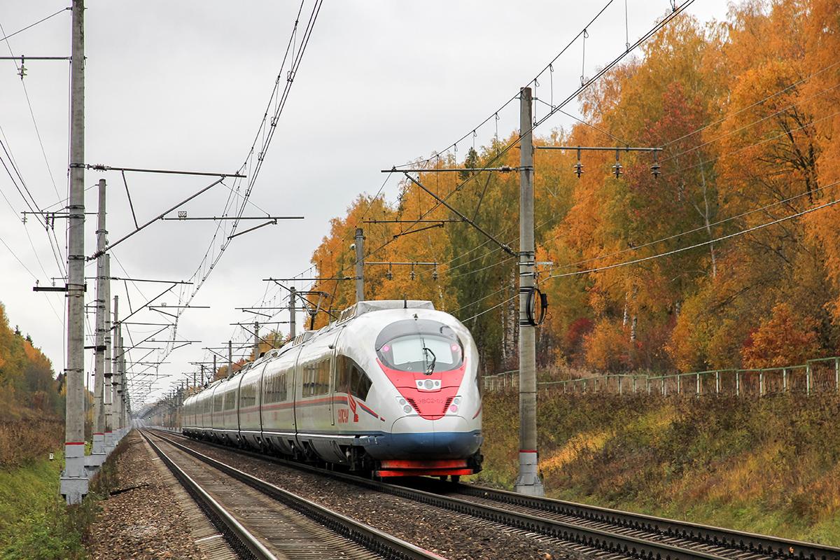 Электропоезд ЭВС2-02 «Сапсан» на перегоне Решетниково - Завидово