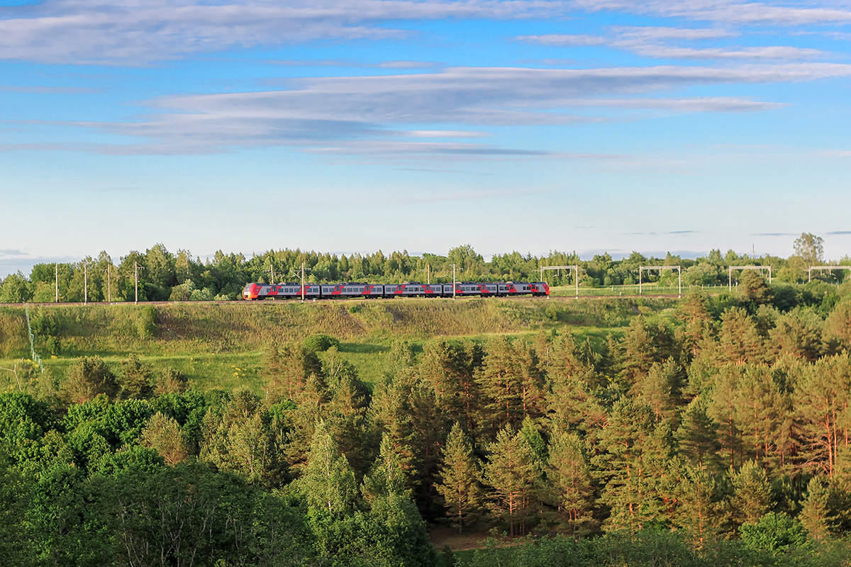 "Электропоезд ЭС1 ""Ласточка"" на перегоне Торбино - Мстинский мост"