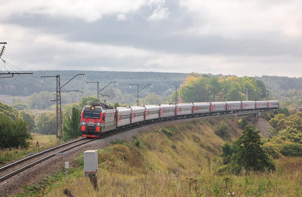 Электровоз ЭП1М-718 с поездом, перегон Павелец-I-Тульский - Мшанка