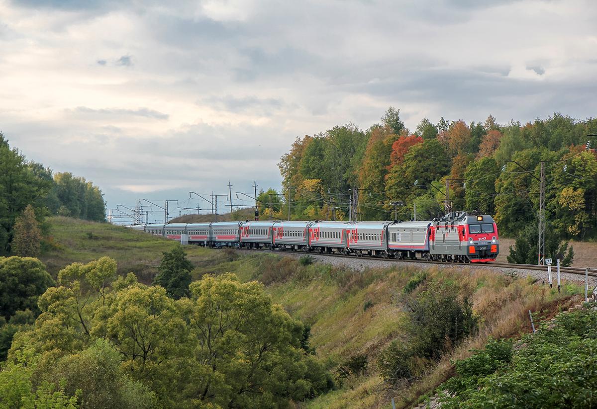Электровоз ЭП1М-763 с поездом, перегон Мшанка - Павелец-I-Тульский