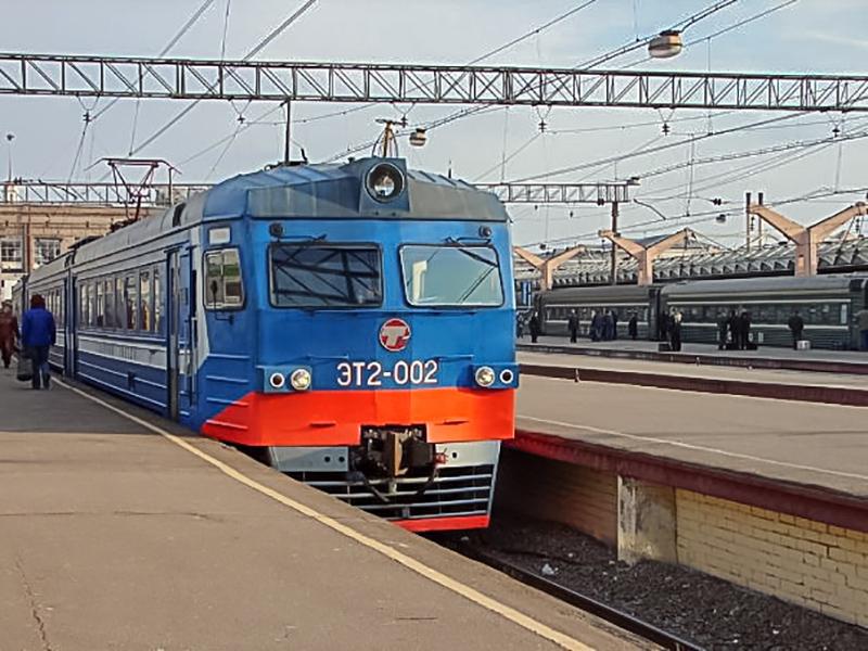 Электропоезд ЭТ2-002 на ст. Москва-Пассажирская (Ленинградский вокзал)