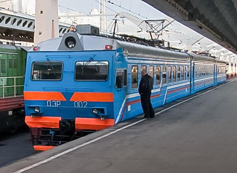 Электромотриса ДЭР-002 на станции Санкт-Петербург-Главный, Московский вокзал