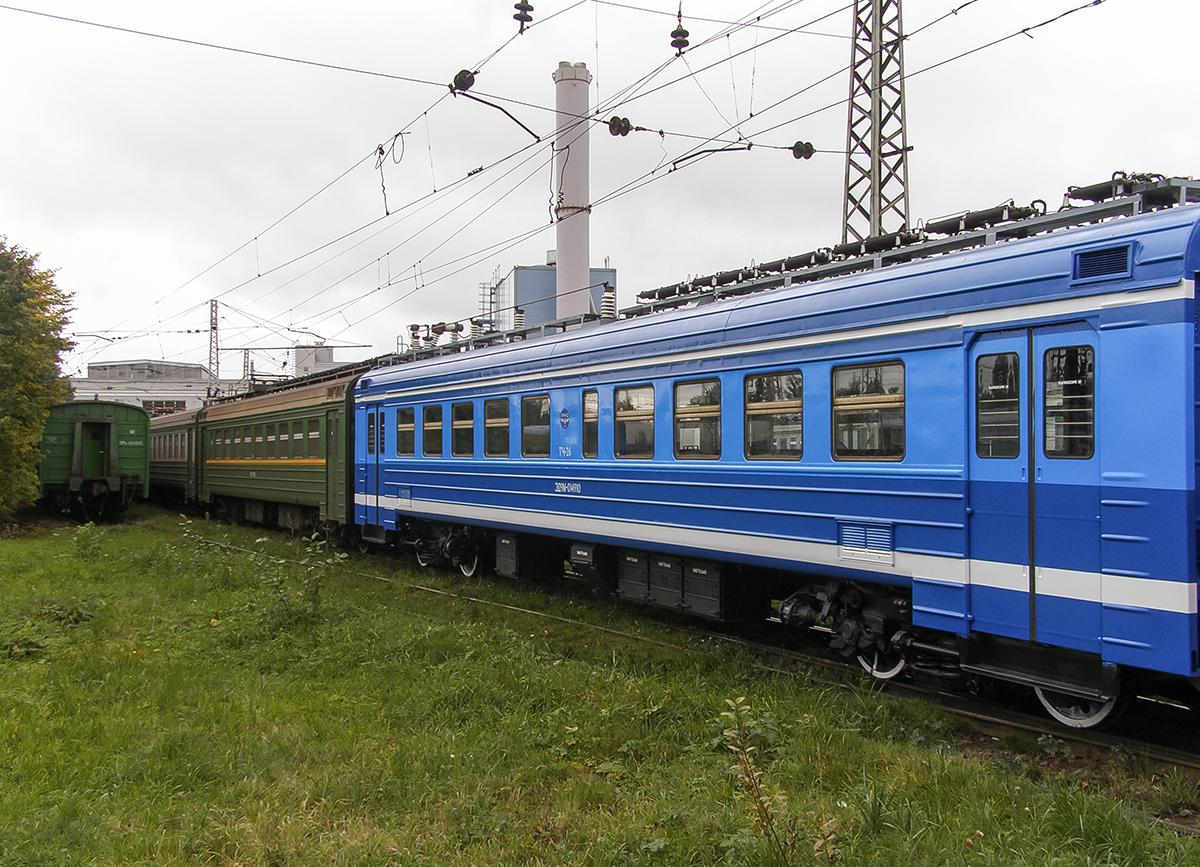 Вагон электропоезда ЭД9М-014910 в депо Санкт-Петербург-Балтийский