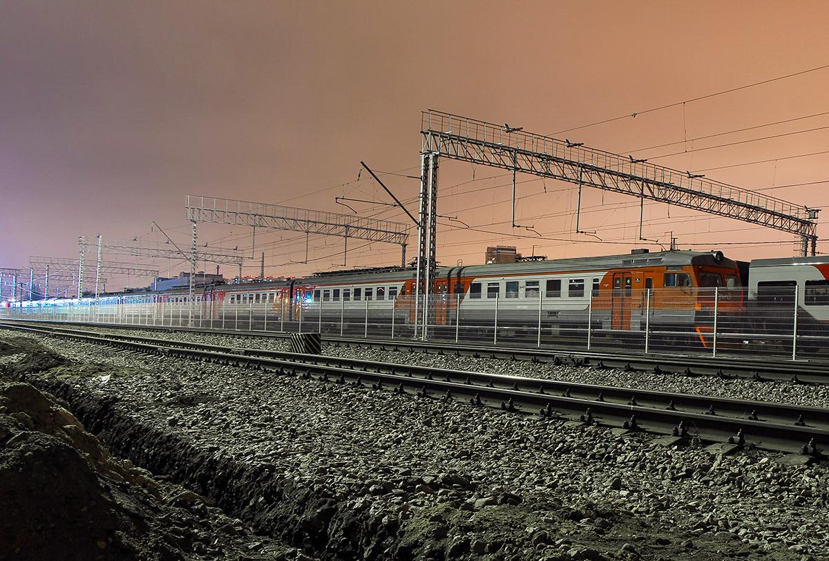 Электропоезд ЭР2Т-7232 в депо МДОСС Подмосковная