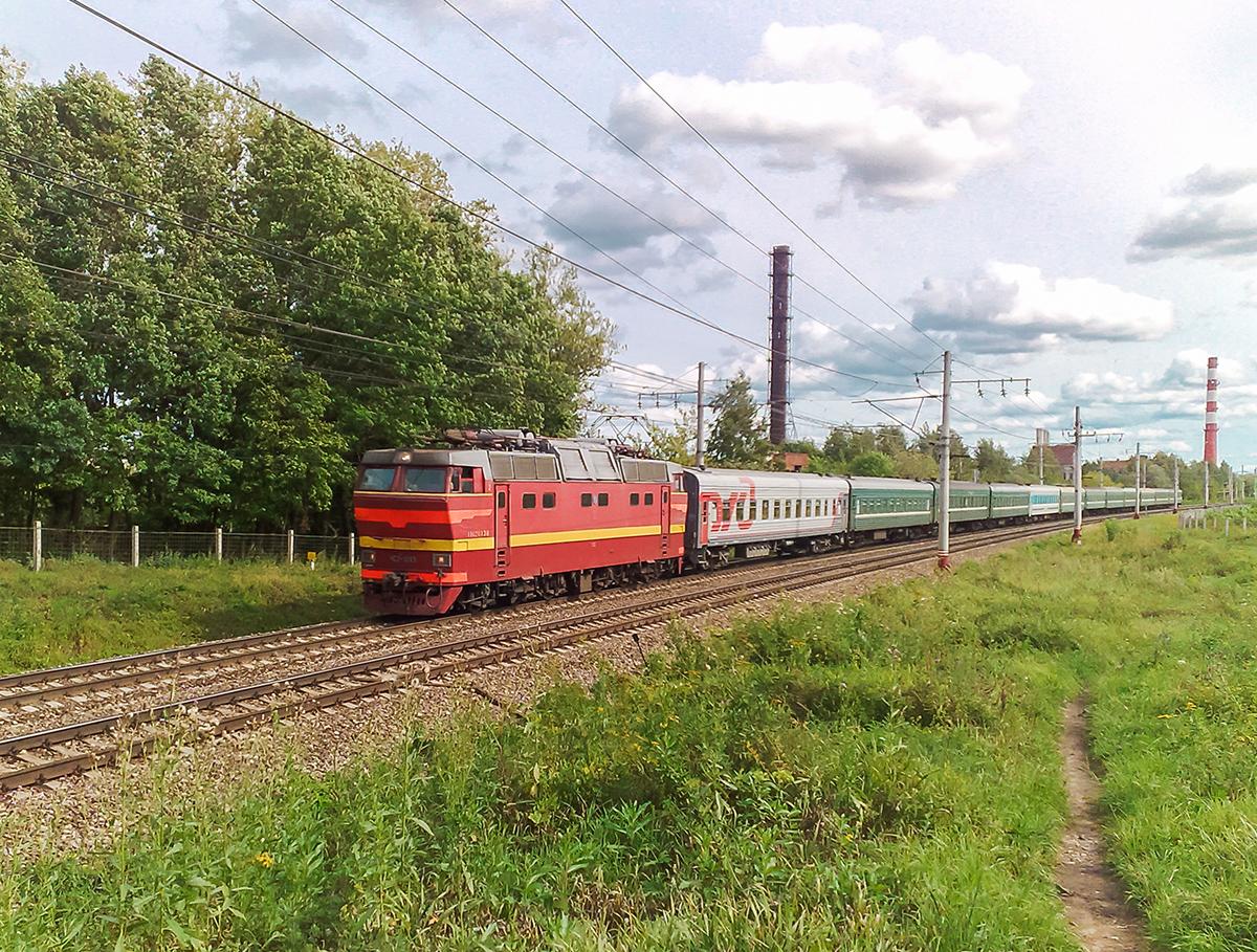 Электровоз ЧС2Т-1013 с поездом, перегон Клин - Решетниково