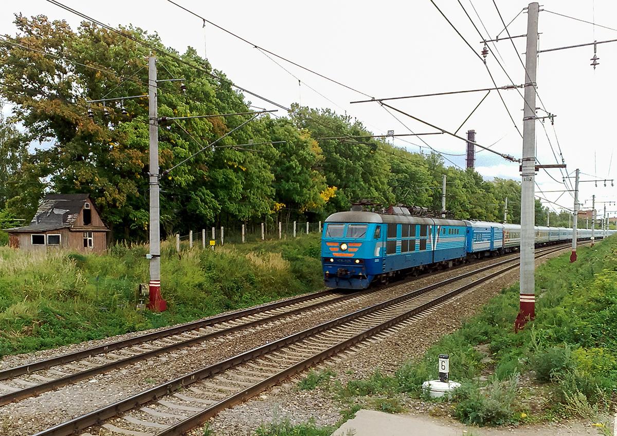 """Электровоз ЧС6-025 с фирменным поездом """"Аврора"""" на перегоне Клин - Решетниково"""