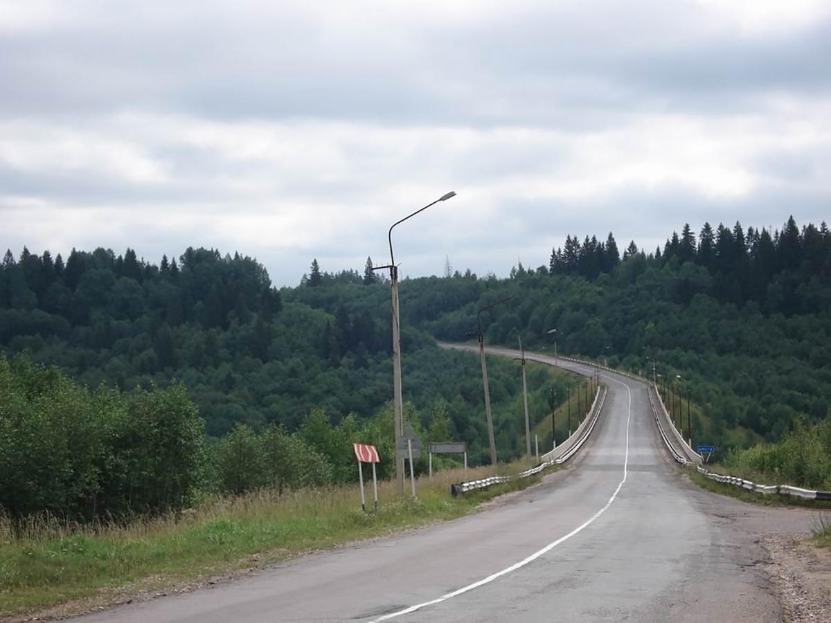 Автомобильный мост через реку Мсту, вид на Веребье