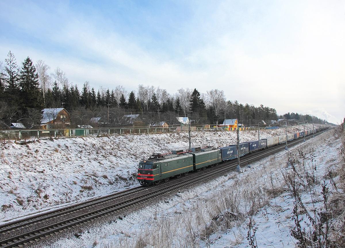 Электровоз ВЛ10-1866 с грузовым поездом, перегон Крюково - Поварово-I
