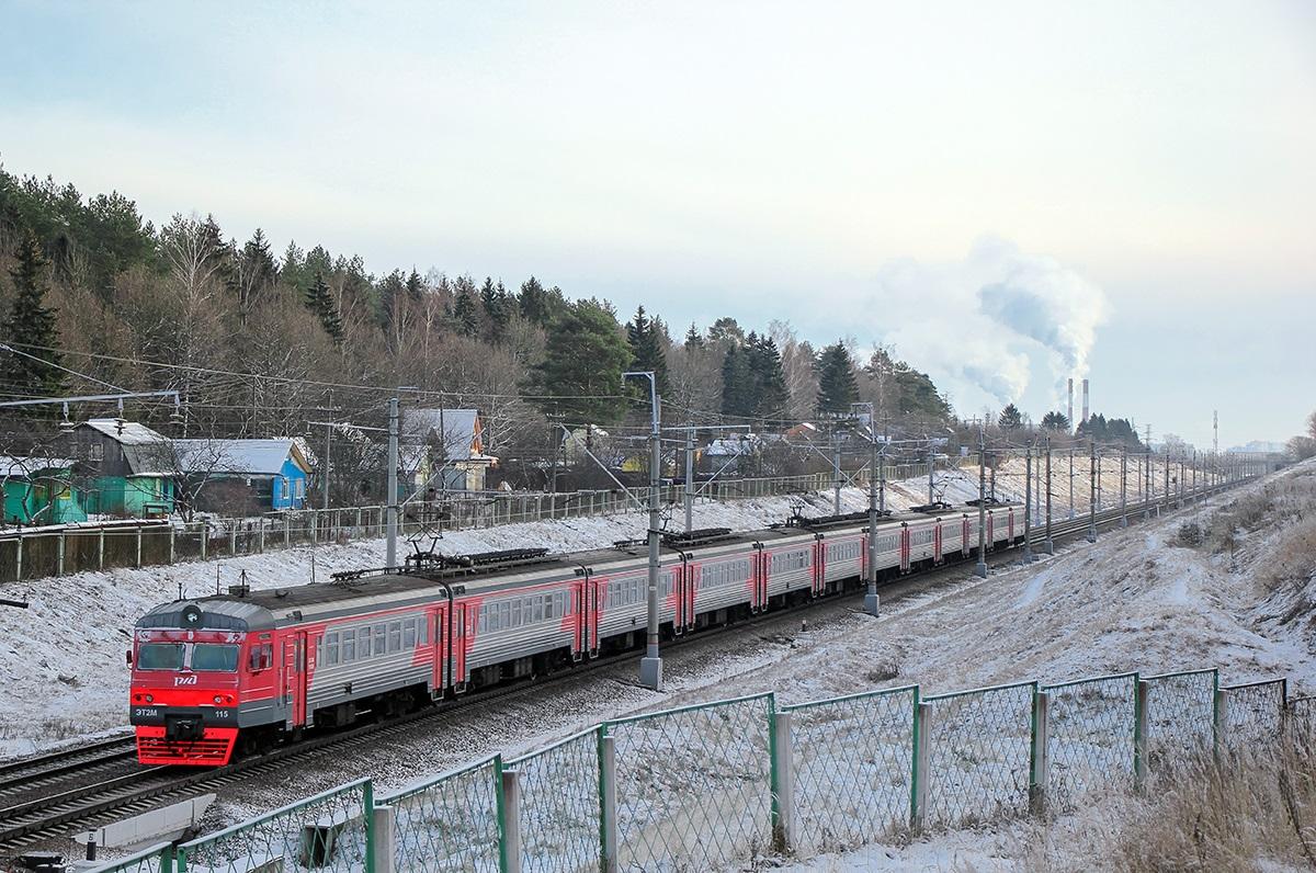Электропоезд ЭТ2М-115, перегон Поварово-I - Крюково