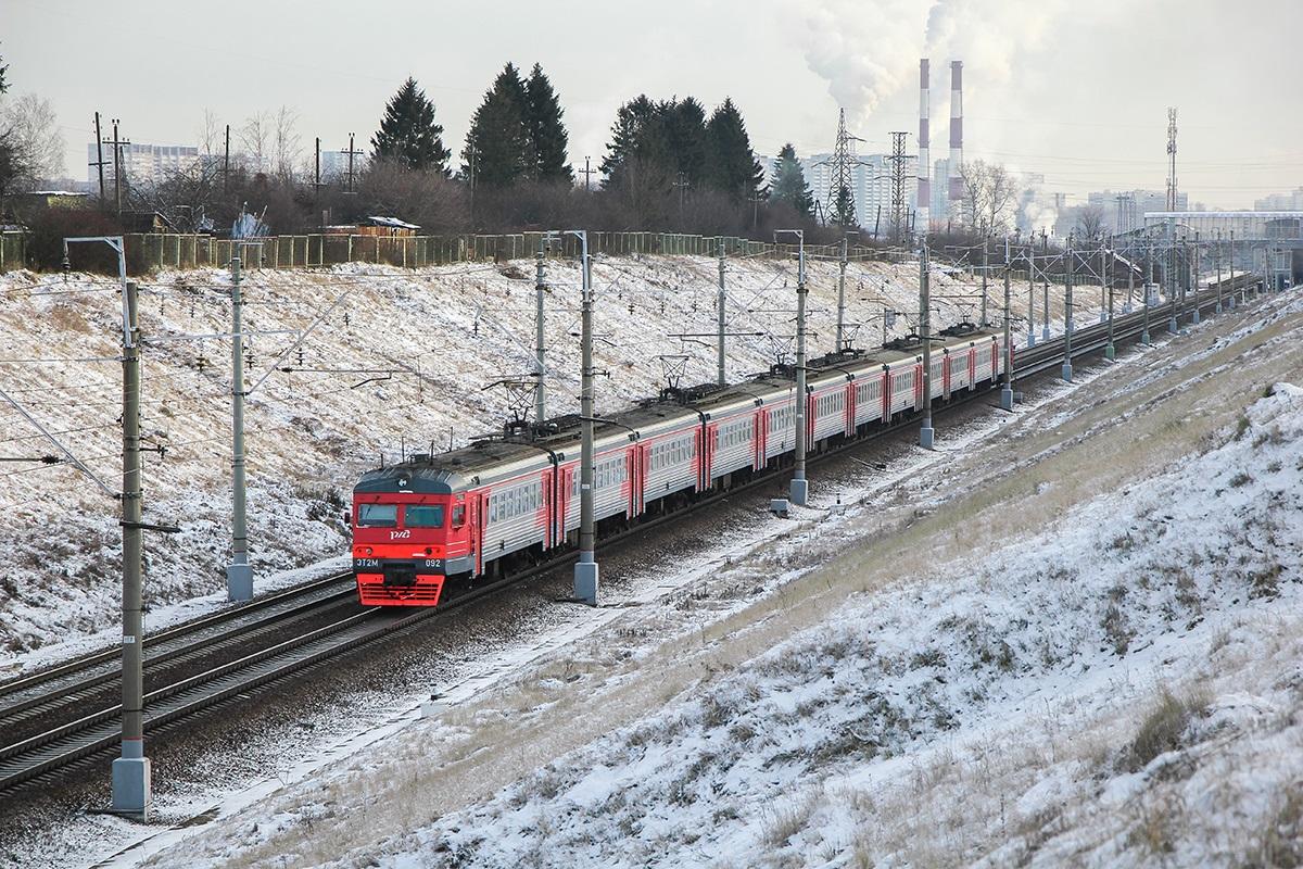 Электропоезд ЭТ2М-092, перегон Поварово-I - Крюково