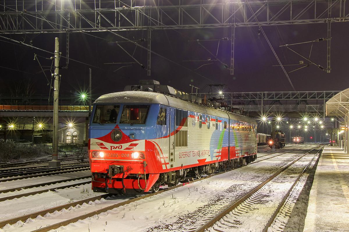 Электровоз ЧС200-008, станция Клин