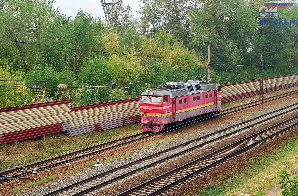 Электровоз ЧС2Т-1048 на перегоне Ховрино - Москва-Товарная