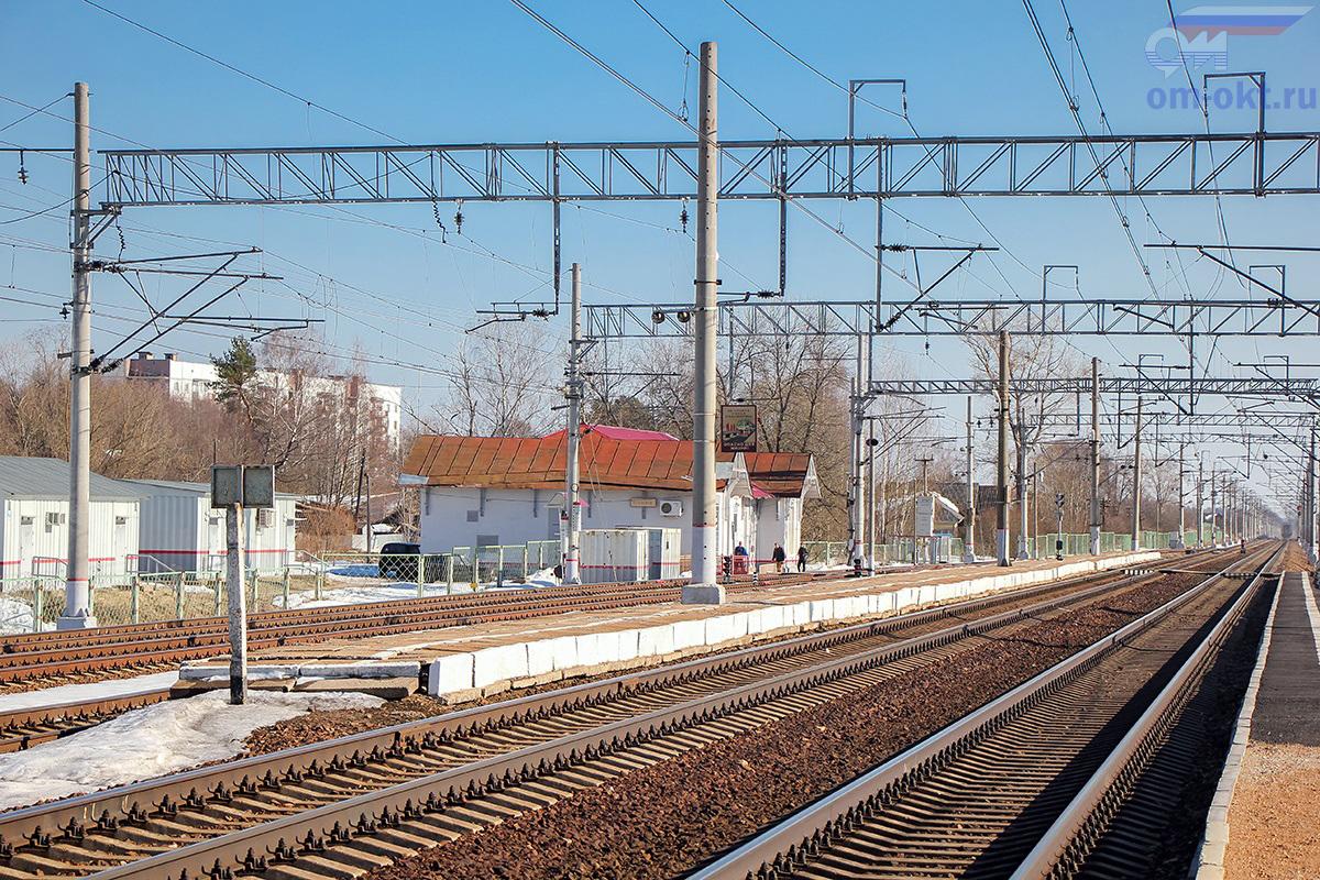 """Пассажирская платформа """"Из Твери"""", станция Бушевец"""