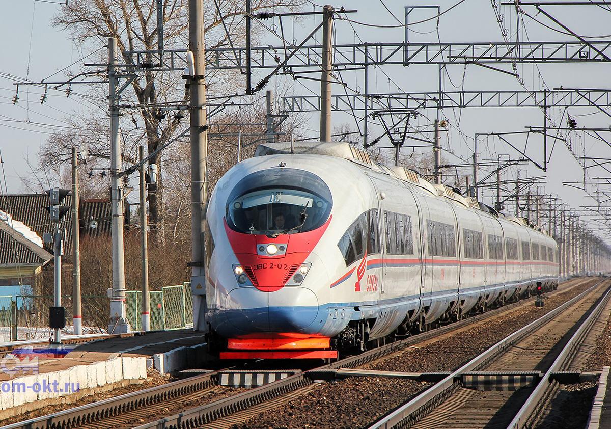 """Электропоезд ЭВС2-02 """"Сапсан"""" проследует станцию Бушевец"""